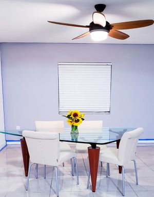 Z GALLERY DINING TABLE - LEATHER LEGS AND SUPET THICK TOP GLASS - 4 CHAIRS INCLUDED for Sale in Miami, FL