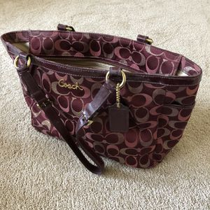 Like new Maroon Coach bag! for Sale in College Park, MD