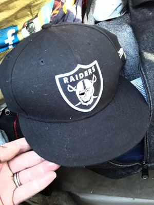 RAIDERS hat 59Fifty size 7 3/4 for Sale in Rosemead, CA