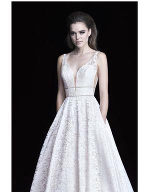 Never Worn, Never Altered Wedding Dress! for Sale in Scottsdale, AZ