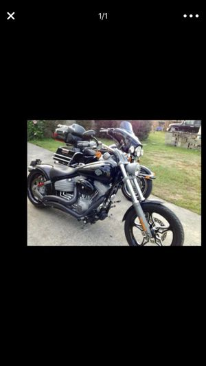 Harley Davidson softail rocker motorcycle mint condition for Sale in Jacksonville, FL