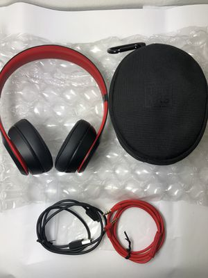 New! Beats Solo 3 On-Ear Wireless Head Phones for Sale in Culver City, CA