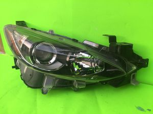 2014-2016 MAZDA 3 HALOGEN HEADLIGHT RIGHT SIDE OEM for Sale in San Marcos, CA