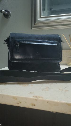 Gucci mini messenger bag for Sale in Dallas, TX