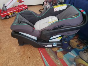 Graco click connect car seat for Sale in Garden Grove, CA