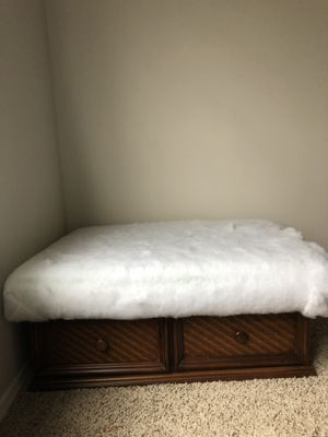 Coffee Table / Ottoman for Sale in Franklin, TN
