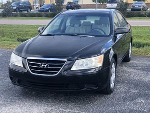 LOW MILES 2009 HYUNDAI SONATA for Sale in Clearwater, FL