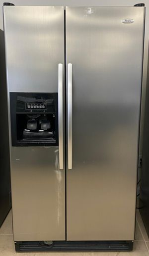 STAINLESS STEEL SIDE BY SIDE FRIDGE for Sale in Orlando, FL