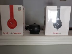 Beat head phones wired n wireless brand new for Sale in Decatur, GA