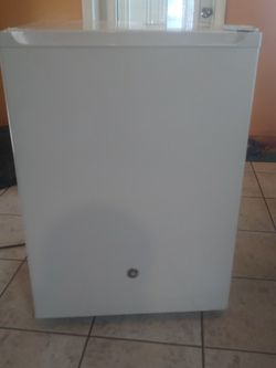 *New*GE Mini Fridge for Sale in Edgewood,  FL