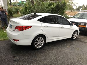 2013 hyundai accent for Sale in Stamford, CT