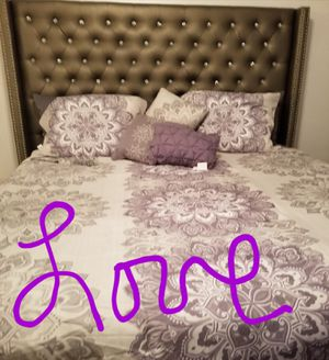 King size frame only for Sale in Sun City Center, FL