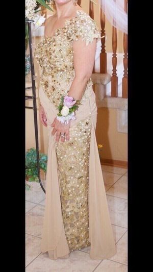 Long evening gown dress (Zain) for Sale in Wixom, MI