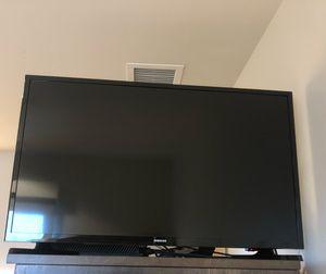 SAMSUNG 32 inch LED TV for Sale in Coronado, CA