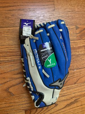 NWT Mizuno Prospect baseball glove for ages 7-8. for Sale in East Providence, RI