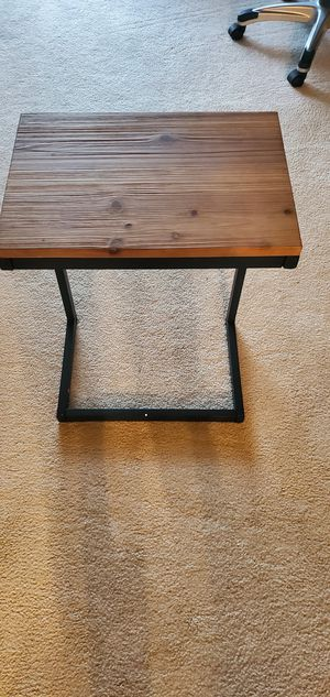 End table for Sale in Arlington Heights, IL
