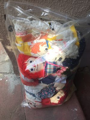Bag of raggedy Ann and Andy dolls for Sale in Hayward, CA