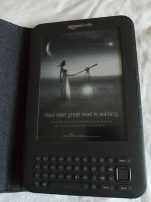 """AMAZON KINDLE KEYBOARD WIRELESS WI-FI 4GB 6"""" INCH WITH CASE for Sale in Escondido, CA"""