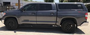 A leer camper shell for a 2012 tundra for Sale in La Habra Heights, CA