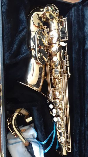Saxophone Kohlert like new for Sale in Huntington Beach, CA