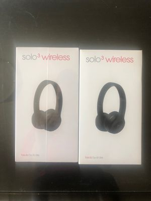 Two solo 3 beats by Dre Bluetooth headphones (new&used) black for Sale in Washington, DC