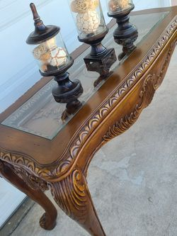 Gorgeous Solid Wood Console Sofa Entry Way Table In Perfect Condition! for Sale in Rancho Cucamonga,  CA