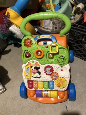 Lights and sounds musical cruise toy for Sale in Toms River, NJ