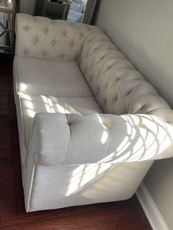 90 Inch Tufted Sofa for Sale in Staten Island,  NY