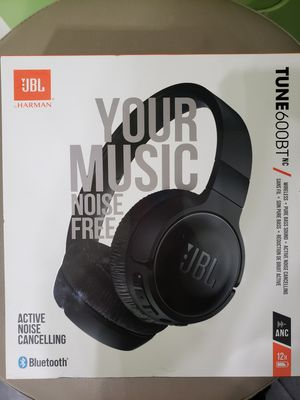 JBL wireless bluetooth headphones 600BT Brand New for Sale in Lakewood, CO