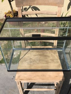20 GALLONS FISH TANK /BRAND NEW //NO SCRATCHES NO WATER MARKS for Sale in Rancho Dominguez,  CA