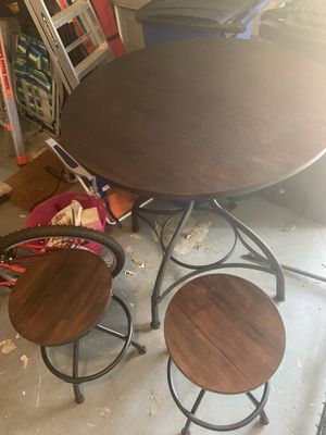 Brand New Wooden Table (4 Stools Included) NEVER USED for Sale in Houston, TX