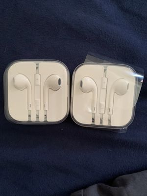 OEM iPhone Aux compatible headphones for Sale in Tacoma, WA