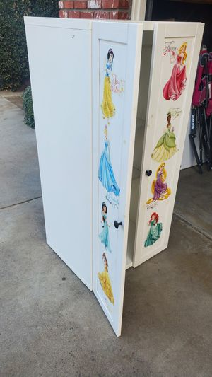 Mueble para ropa for Sale in Selma, CA