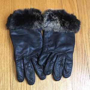 Mercer Madison Womens S Gloves Black Genuine Leather Rabbit Fur Trim Thinsulate Pre-Owned Sold as is ( see all pictures) for Sale in French Creek, WV