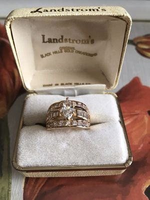 18K Gold plated over sterling silver Sapphire and Simulated Diamond Gorgeous Ring Sz8 for Sale in Baltimore, MD