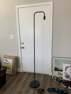 Floor lamp for Sale in HUNTINGTN BCH, CA