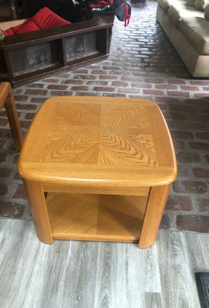 Set of 2 end tables for Sale in Mokena, IL