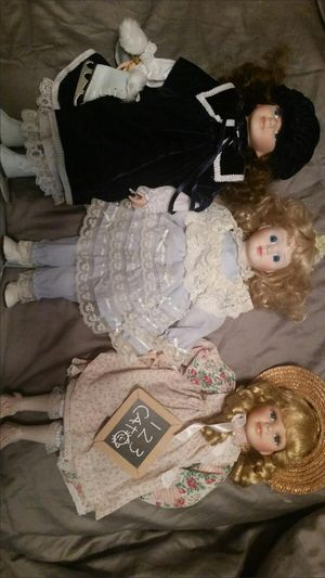 PORCELAIN DOLLS for Sale in Ontario, CA