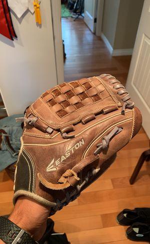 Easton Baseball Glove for Sale in Tujunga, CA