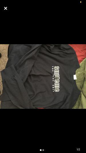 Medium Supreme Sweatshirt for Sale in Garden Grove, CA