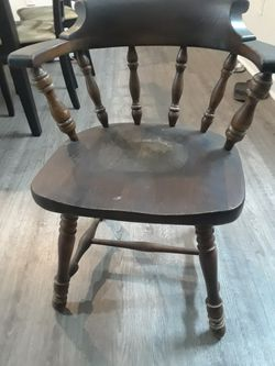 6 Very old Antique solid wood chairs by ETHAN&ALLEN good condition for Sale in Oakland Park,  FL