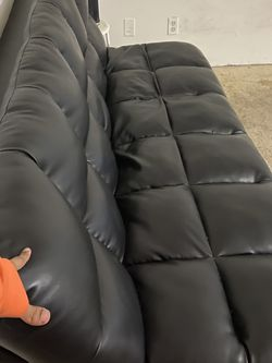 6ft Black Futon for Sale in Los Angeles,  CA