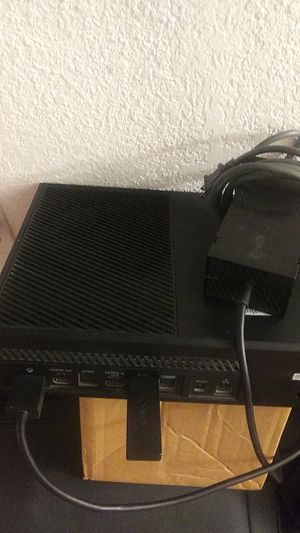 Xbox one no 2 controllers for Sale in San Marcos, TX