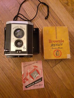Vintage Brownie Reflex Camera $20 FIRM for Sale in Cleveland, OH