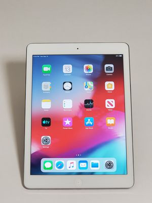 """IPAD AIR 1 GENERATION GREY/WHITE 32GB 9.7"""" WI-FI ONLY for Sale in Takoma Park, MD"""