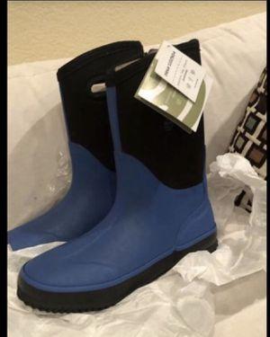 New OAKI Unisex Rain/snow Boots SZ 4 for Sale in Moreno Valley, CA