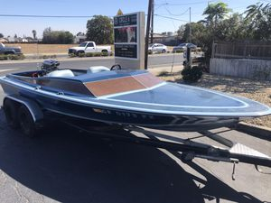 1977 Cheyenne be jet boat with a panther jet pump 460 big block twin carburetor high-rise aluminum intake with the riser plate in a tunnel ram very c for Sale in Pittsburg, CA