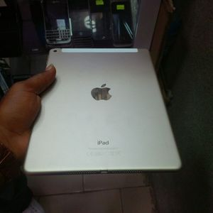Apple iPad Air -2(Wi-Fi internet access) usable with Wi-Fi,like as new.Factory Unlocked. for Sale in Springfield, VA