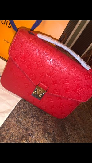 Red Louis Vuitton bag for Sale in Dearborn, MI