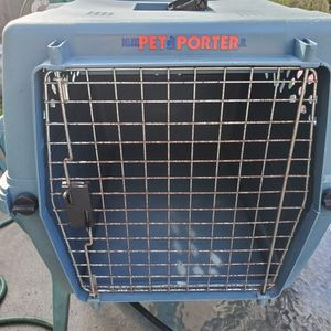 LARGE DELUXE PET CARRIER for Sale in Pacific Grove, CA